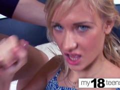 Atrakcyjna nastolatka cipka
